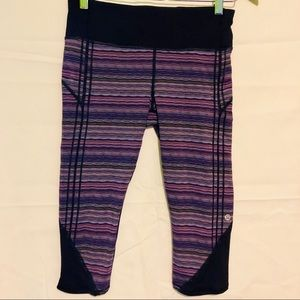 Lululemon purple stripe crop capris size 8